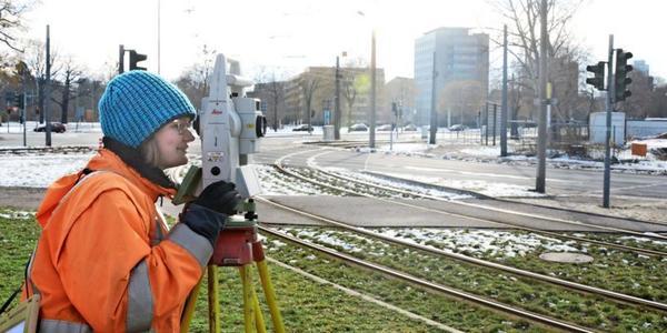 Vorbereitung für Baustelle am Georgplatz in Dresden beginnt