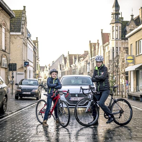 Le centre-ville de Dixmude est une zone cyclable  - Stadskern van Diksmuide wordt fietszone