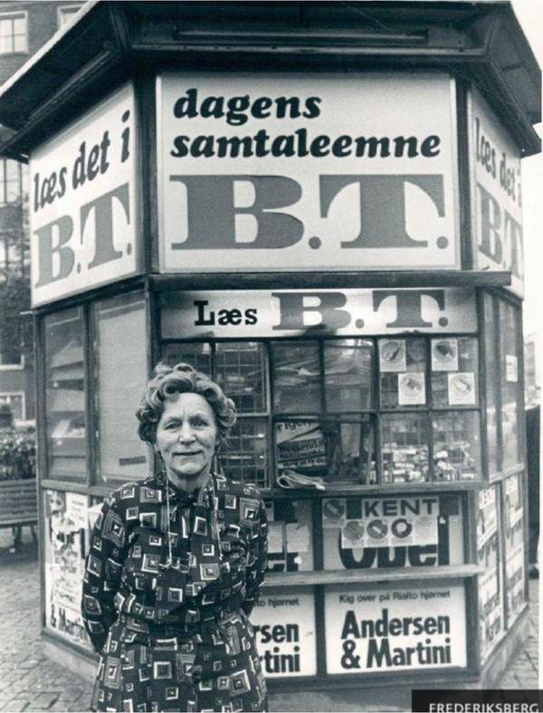 Else Hansen og hendes kiosk i 1988. Peter Hauerbach/ Frb. Stadsarkiv