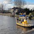 Leuke sfeer op pontje bij Leimuiderbrug ondanks werkzaamheden aan fietspad