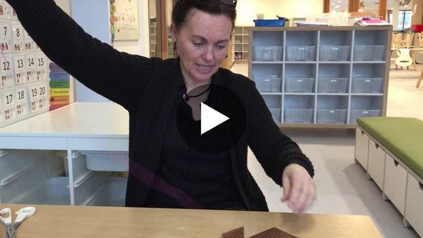 LEIMUIDEN - Huiswerkopdracht van IKC Leimuiden hoe je een trui op gaatjeskarton kunt festonneren (video)