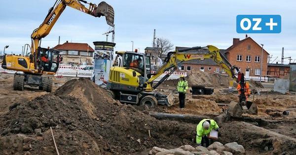 Das haben Archäologinnen bei den Ausgrabungen am Poeler Tor in Wismar gefunden
