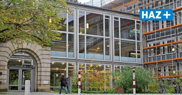 Gerüst am Bauamt in Hannover: Ist Kaufen billiger als Mieten?