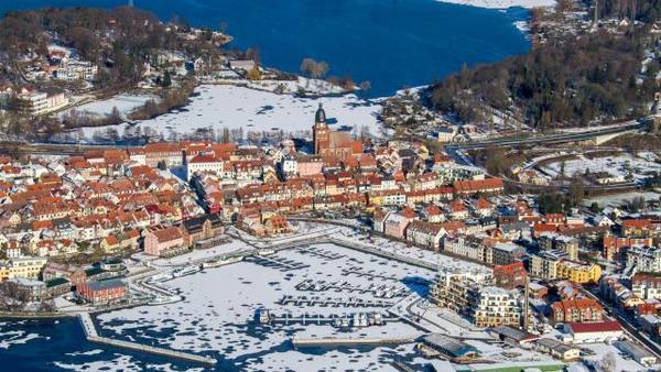 Die Müritz, ein Winter-Wunderland von oben