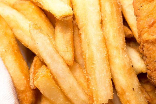 Courtrai reçoit une installation d'essai de 700 000 euros pour la production de frites - Kortrijk krijgt testinstallatie van 700.000 euro voor frietproductie