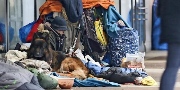 So können Sie Obdachlosen helfen