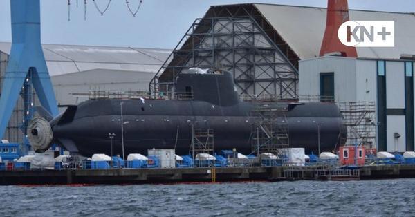 Werft TKMS hat das neue U-Boot Impeccable für Singapur auf den Lift gezogen