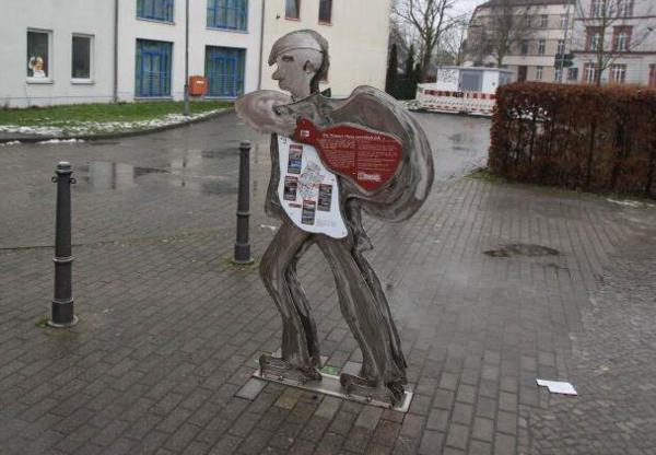 Kunst und Information in Nauen. Foto: Andreas Kaatz