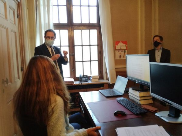 Le tribunal numérique commence à Veurne - Digitale rechtbank van start in Veurne