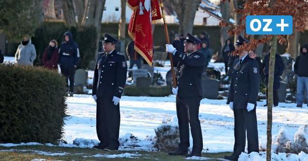 Bestattung von Grimmens Bürgermeister: Warum durften so viele Menschen dabei sein?