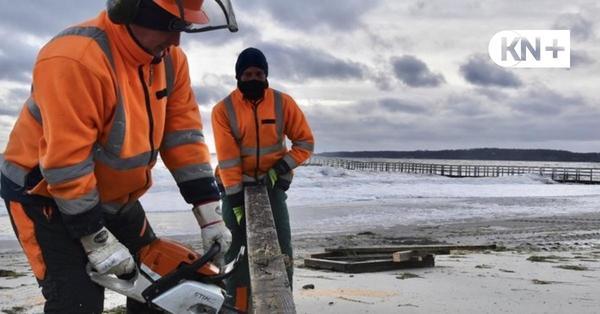 Sturm-Wellen beschädigen Seelustbrücke in Eckernförde