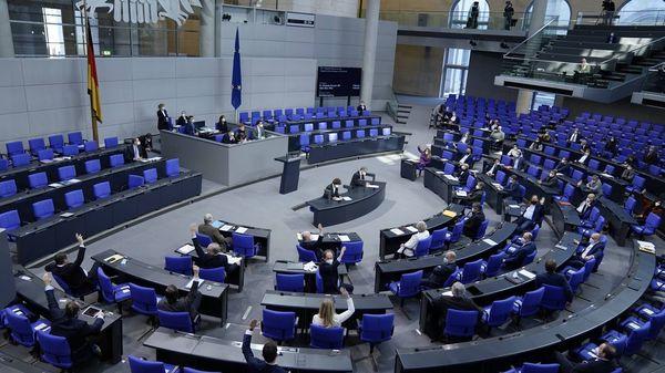 Corona-Gipfel: Scholz wegen Nord Stream 2 aus der Bund-Länder-Konferenz in den Bundestag zitiert
