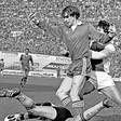 'Anderlecht wilde mij kopen maar AZ vroeg een belachelijk bedrag', aldus Richard van der Meer, die kampioen werd met AZ'67 en op zijn 24ste stopte