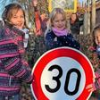 Höchstens 30: Tempolimit vor Segeberger Grundschule lässt auf sich warten