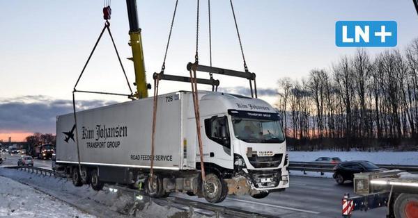 Unfall auf der A1 bei Reinfeld: So lief die Bergung bei eisigen Temperaturen