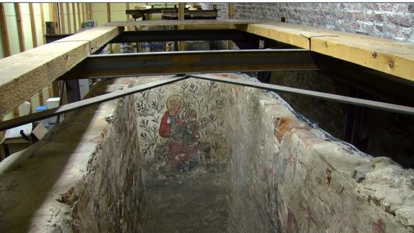 La longue errance des caveaux peints de Tournai - Lange zwerftocht omtrent beschilderde kelders van Doornik
