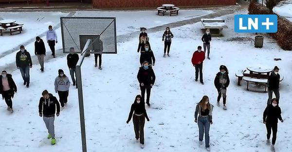 Stecknitz-Schule Berkenthin und Krummesse: Schüler tanzen Jerusalema