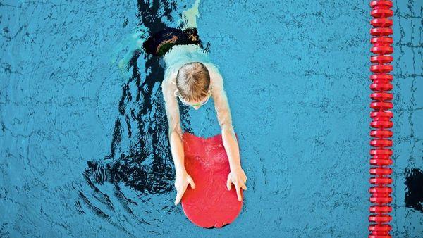 Kein Schwimmunterricht für Kinder: Warum die Pandemie weitreichende Folgen für Nichtschwimmer hat