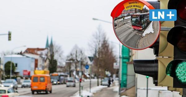Lübeck: Trixi-Spiegel sollen Abbiegeunfälle mit Lkw verhindern
