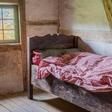 De lege stoel naast het bed ~ Creatov.nl
