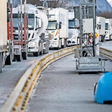 Grenzkontrollen für Lkw-Fahrer: Drohen Produktionsausfälle bei VW?