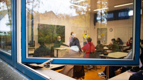 Faktencheck: Mobile Luftreiniger in Schulen und Kitas – schützen sie besser vor Corona?