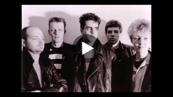 ROELOFARENDSVEEN - Het nummer No way back van de Veense band Two Dogs Seven Legs uit 1989 digitaal opgepoetst (video)