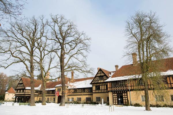 Schloss Cecilienhof soll wieder als Hotel genutzt werden. Foto: Julius Frick