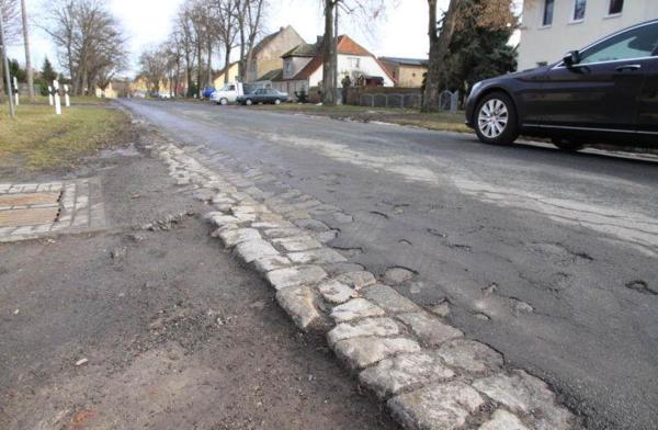 Gesucht wird die schlechteste Straße im Havelland. Foto: Andreas Kaatz