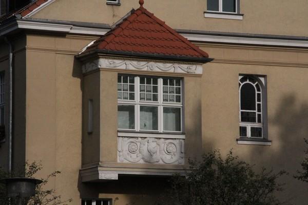 Der Erker am Falkenseer Rathaus. Foto: Marlies Schnaibel