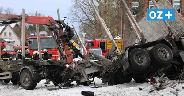 Schwerer Unfall am Bahnübergang Altheide: Zug erfasst Lkw bei Ribnitz