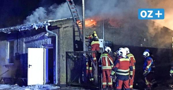 Großbrand einer Werkstatt mit Solaranlage in Vorland: Brandstiftungs-Verdacht