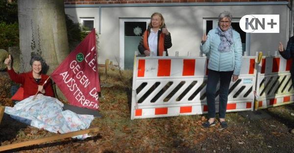 Widerstand mit Federbett gegen die Fällung einer Rotbuche in Kaltenkirchen