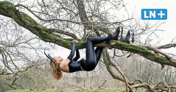 Tänzerin Irina Runge: Solo mit Korsett und Hasenohren