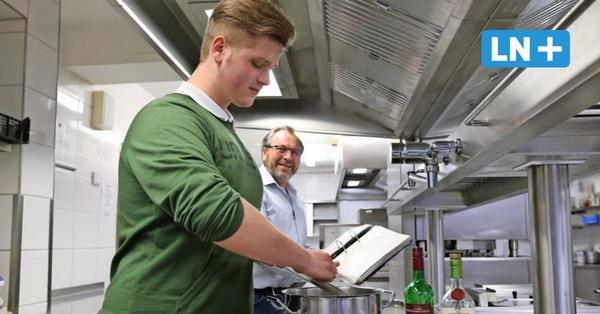 Koch-Azubis machen Prüfungen im Corona-Lockdown