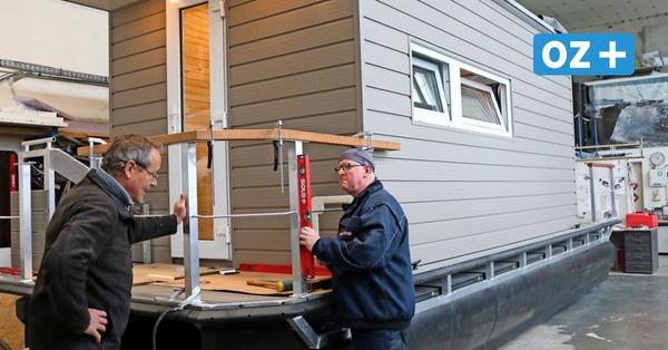 """""""Ein Hausboot zum Verlieben"""": Kleine Wismarer Firma ist weltweit mit Pontons erfolgreich"""