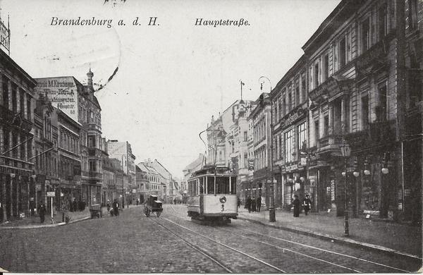 Die Hauptstraße in Brandenburg an der Havel um 1910. (Foto: Sammlung Hesse)