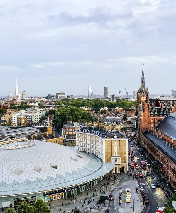 Kings Cross and St. Pancras International by Andrei Ianovskii