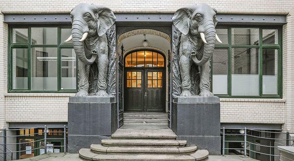 «Maison de l'Afrique» dans le centre de Hambourg (Afrikahaus)