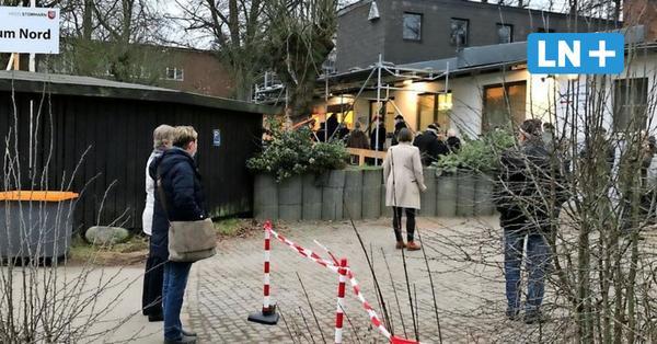 Stormarn: Warteschlangen vor dem Impfzentrum Bad Oldesloe