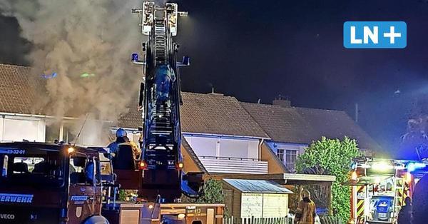 Reihenhausbrand in Ellerau: Bewohner gerettet, drei Haustiere sterben