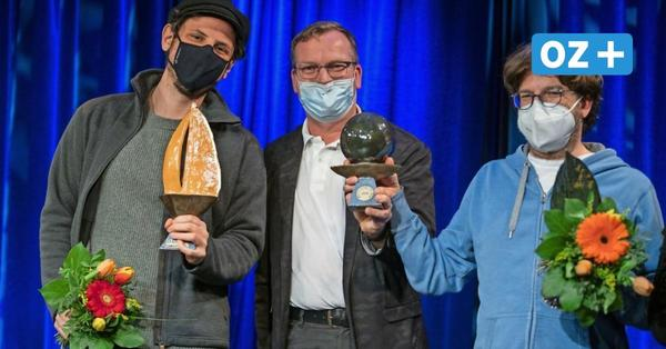 Rainer Holl gewinnt den Goldenen Koggenzieher beim Rostocker Kabarettwettbewerb