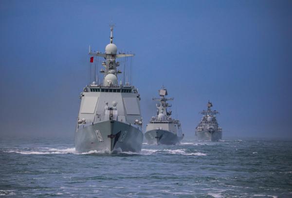 เรื่อพิฆาตติดขีปนาวุธของจีน Ningbo (Hull 139) and Taiyuan (Hull 131) Cr. eng.chinamil.com.cn/