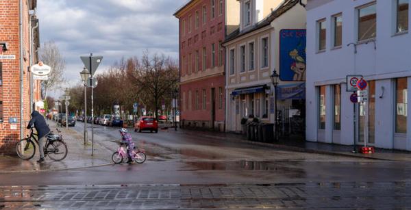Seit Montag ist dieser Straßenabschnitt der Gutenbergstraße für Autos dicht. Foto: Varvara Smirnova