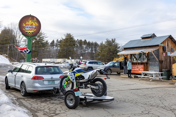"""""""Smokin' Bowls"""", a popular roadside stop with great chili"""