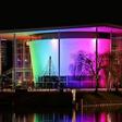 Alles leuchtet bunt: VW, Autostadt und VfL setzen ein Zeichen für Vielfalt