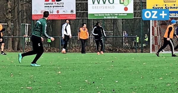 Kicken trotz Lockdown: Mehr als 100 Greifswalder ignorieren Corona-Regeln im Volksstadion