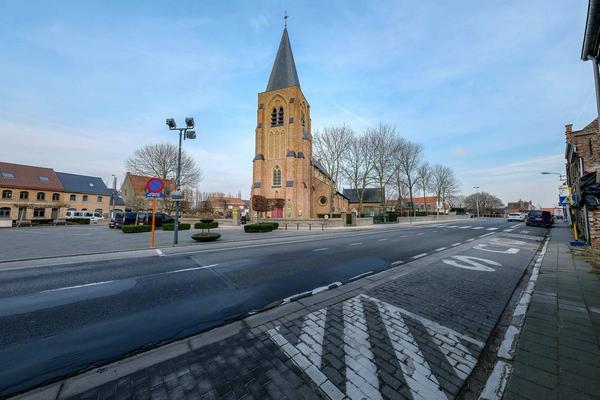 Une église désacralisée de Middelkerke devient un lieu permanent d'expositions.  -Kerk van Sint-Pieterskapelle wordt Kunshalle Ervinck