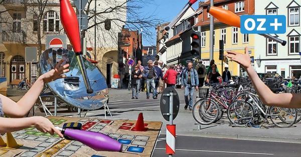 Gastronomie und Einzelhandel im Freien:Stralsund will am Montag wieder durchstarten
