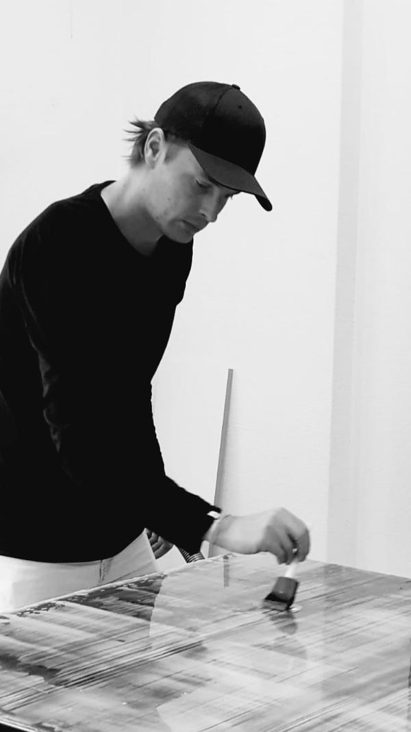 Danny Giesbers in his studio